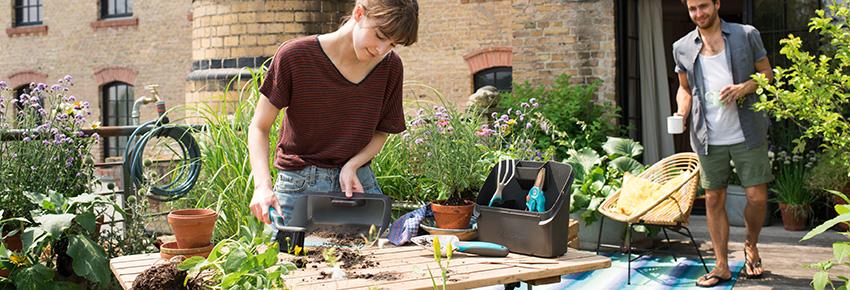 Gartenarbeit am Ende des Winters